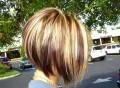 Популярная стрижка боб-каре на короткие волосы